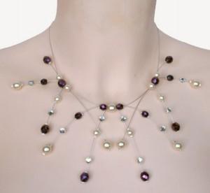 collier mariage ivoire et violet irisé