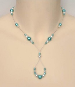 Collier_mariage_perles blanc_et_bleu_turquoise_clair