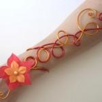 bracelet_aluminium_ safran_rouge_+_fleurs