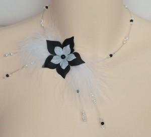 Collier_mariage_fleur_plumes_noir_et_blanc