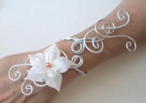 Bracelet_mariage_blanc_+_perle_orange