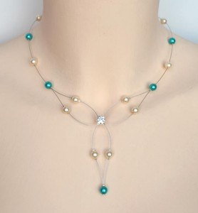 Collier_mariage_ivoire_et_turquoise_strass